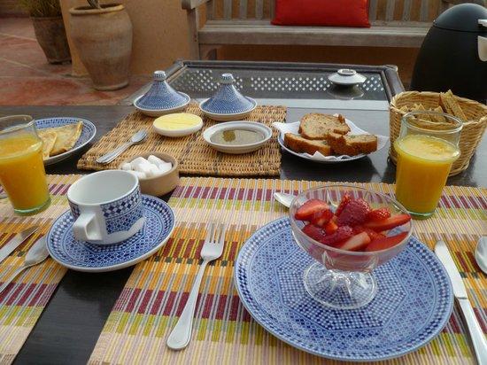 Riad Dar Attajmil: Waiting for our Moroccan breakfast