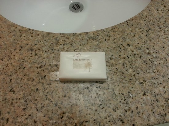 Holiday Inn Express Hotel & Suites MetroCentre: They weren't using Holiday Inn Express Soap - Some cheap stuff instead