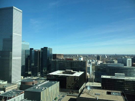 Hyatt Regency Denver At Colorado Convention Center: 29th floor - city view