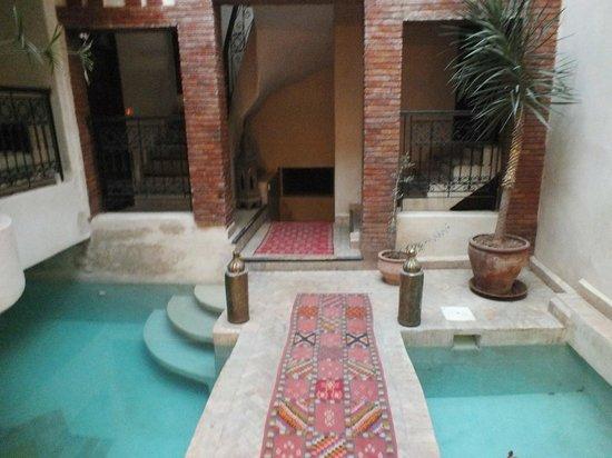 Riad Al Rimal: Foyer