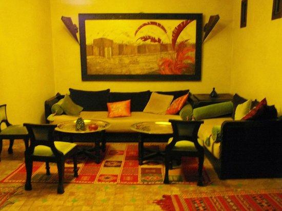 Riad Al Rimal: Lounge area