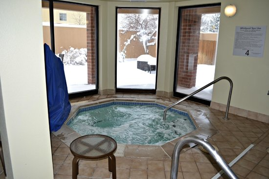 Courtyard Denver Southwest/Lakewood: Hot tub