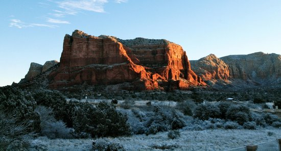 Canyon Villa Bed and Breakfast Inn of Sedona: Court House Butte Sunrise