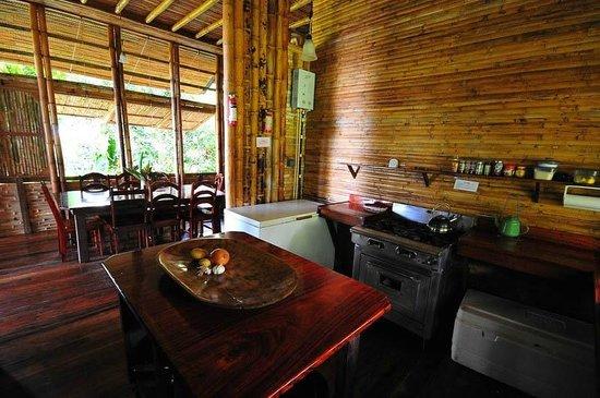 Casa Bambu Resort: Casa Linda Kitchen/Dining by guest James McCraw