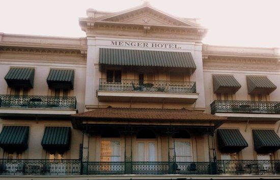 Menger Hotel: Front Balcony