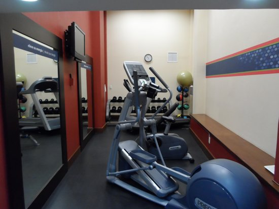 Hampton Inn & Suites Mexico City - Centro Historico: Fitness Center