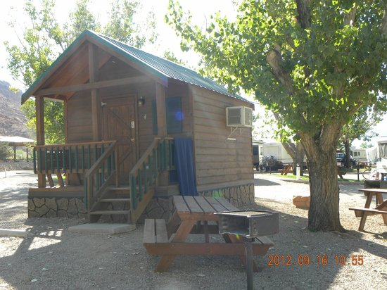 Moab Valley RV Resort & Campground: Cabin