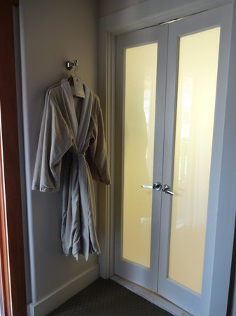 The Avalon Hotel: Robes and bathroom entrance