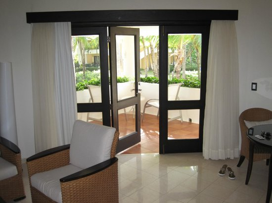 Bavaro Princess All Suites Resort, Spa & Casino: Suite view outside