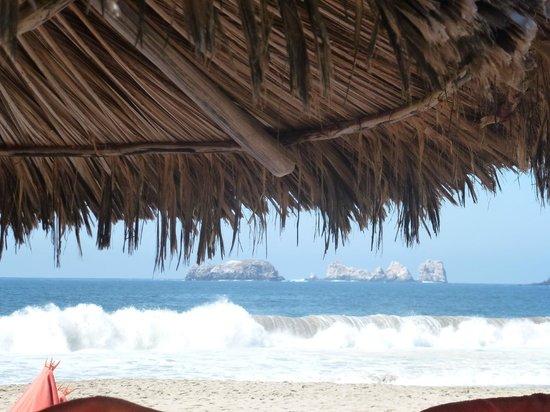 Sunscape Dorado Pacifico Ixtapa: View from the palapas