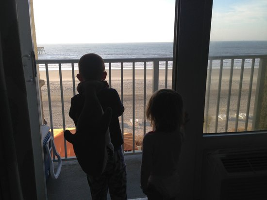Tides Folly Beach: My kids getting their fist look at the ocean!