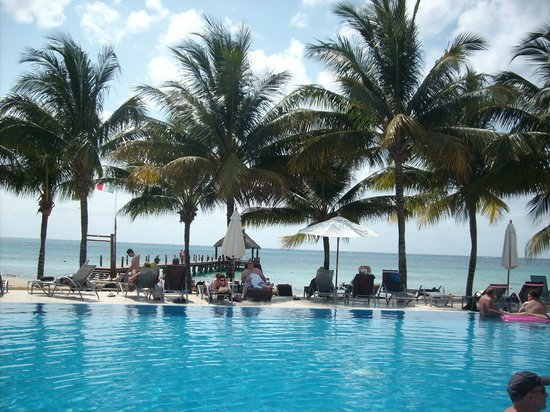 Secrets Aura Cozumel: pool view