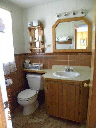 Country Lodge: Bathroom