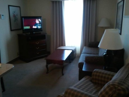 Homewood Suites by Hilton Raleigh Crabtree Valley: Living room. Also included office and seperate bedroom