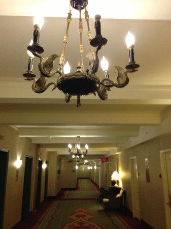 The Roosevelt Hotel : The wonderful lighting...