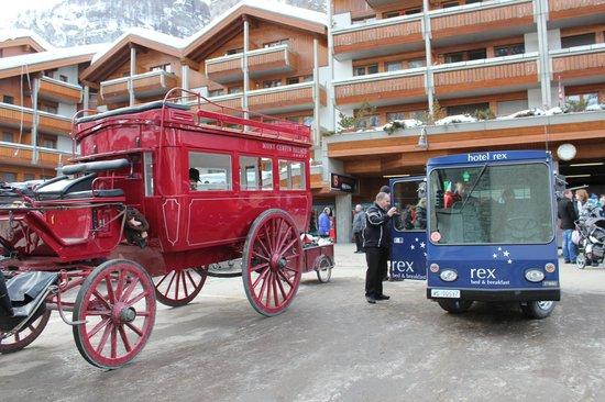 Hotel Rex: Train Station Pickup