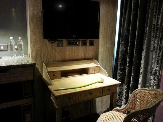 Inhouse Hotel Heritage: tv