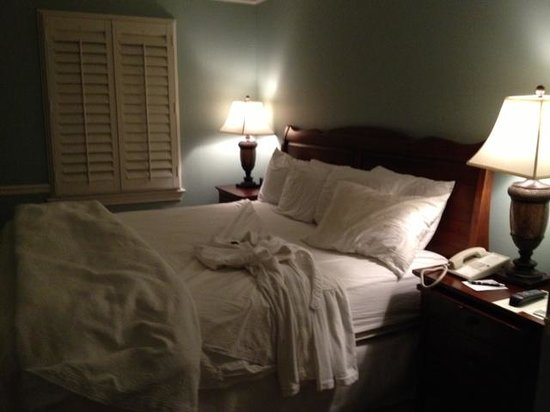 Graylyn Estate : Turndown service