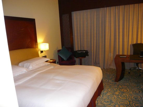 Sofitel Dubai Jumeirah Beach: Room was comfortable and reasonably spacious