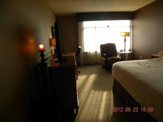 The Academy Hotel Colorado Springs: Looking at Room From Entry Doorway