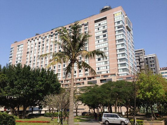 Regent Taipei: Hotel building