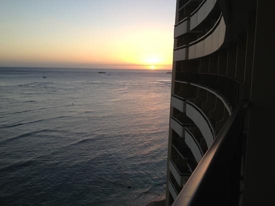 Sheraton Waikiki: nice sunset