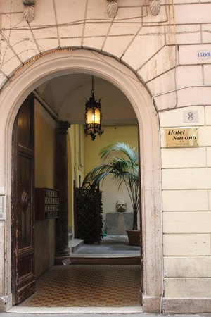 Hotel Navona Entrance
