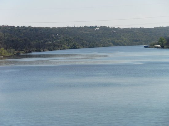 Hampton Inn Marble Falls-On The Lake: lakw view 2