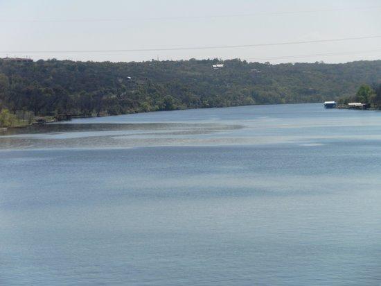 Hampton Inn Marble Falls-On The Lake : lakw view 2