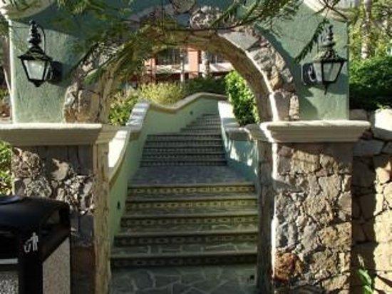 Sheraton Grand Los Cabos Hacienda del Mar: Entry to Building 8