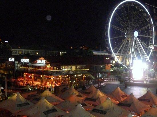 Wang Thai : Vista exterior Nocturna