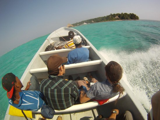 Glover's Atoll Resort: 45 miles in a skiff on the open ocean