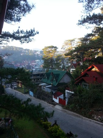 BaguioTransient House: view from Lanai Apt 4