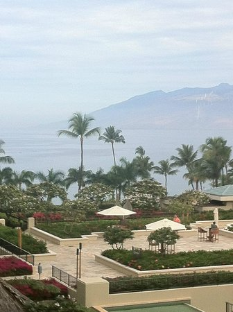 Four Seasons Resort Maui at Wailea: Ocean view room.