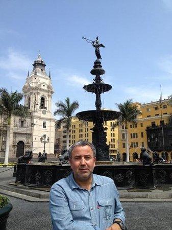 Hotel Runcu Miraflores: plaza mayor Lima