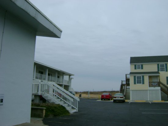 Days Inn Kill Devil Hills Oceanfront - Wilbur: Looking Towards Beach