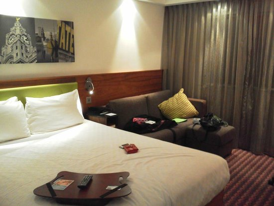 Hampton by Hilton Liverpool City Centre: Queen Room with Sofa Bed