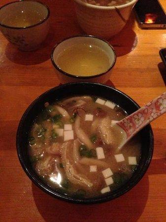 Okoze Sushi : miso soup with mushrooms, 6.50 dollars and slightly sweet