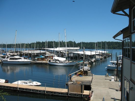 Tugboat Annie's: View from the outside deck