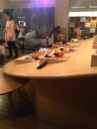 Tokyo Toy Museum : good TOYと言う、その名のとおり世界から選りすぐりのおもちゃを集めて、遊ばせさせてくれる所