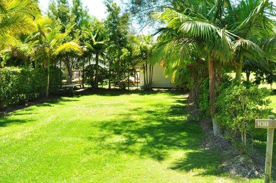 Solitary Islands Marine Park Resort: Large Grassy Ensuite Site