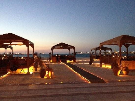 BBQ Al Qasr: Hard to beat as a location for dinner