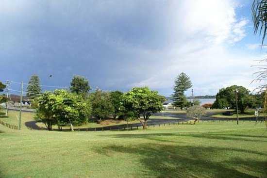 Ballina Leisure Lee Holiday Apartments: Park view