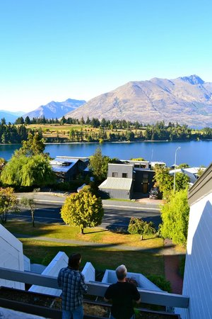Copthorne Hotel & Apartments Queenstown Lakeview: View from bedroom balcony, similar view downstairs from lounge room