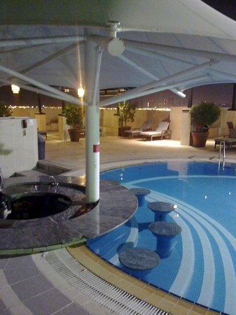 Grand Excelsior Hotel Deira: Sheraton Deira - Rooftop Pool area