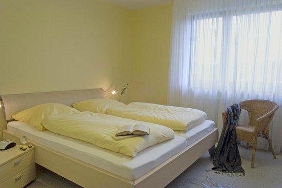 Gemünder Ferienpark Salzberg : Erholen Sie sich im geräumigen Schlafzimmer!