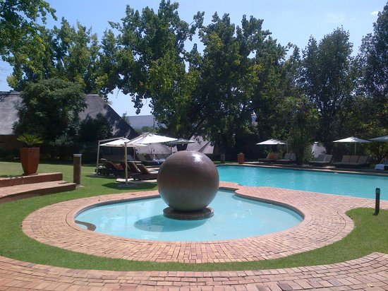 Valley Lodge & Spa: Very relaxing, peaceful pool
