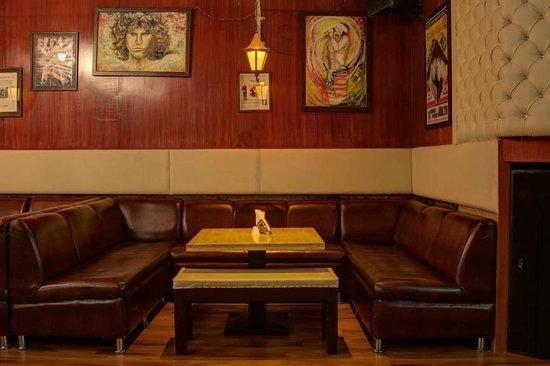 Bahi Kitchen Lounge Bar: seating view