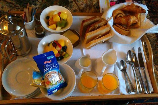 Osborne House: breakfast