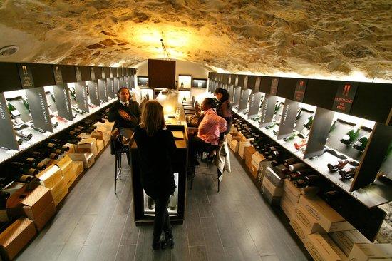 la cave d gustation picture of dilettantes paris tripadvisor. Black Bedroom Furniture Sets. Home Design Ideas